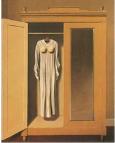 immagine armadio con vestito femminile