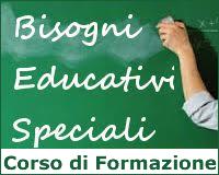 immagine di una lavagna con la scritta: Bisogni Educativi Speciali Corso di Formazione