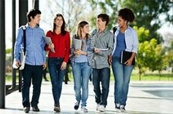 foto di un gruppo di studenti