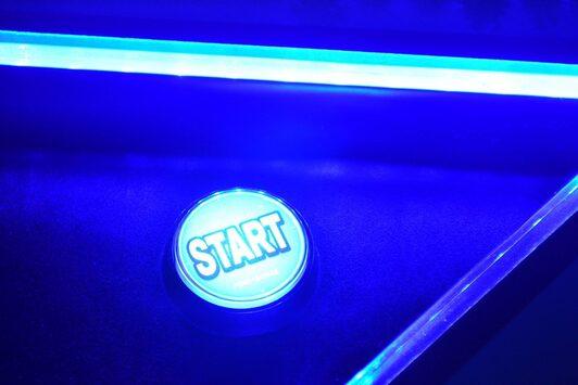 """pulsante """"start"""" di un videogame"""