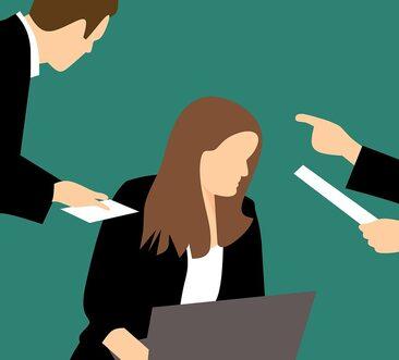illustrazione di una donna a lavoro